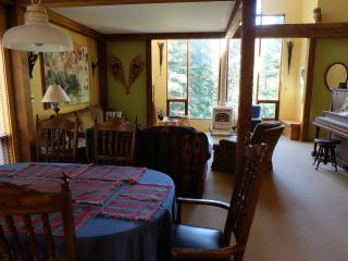 Sleeps 10 - backs on to Ice Pond & Tube Town, Silver Star