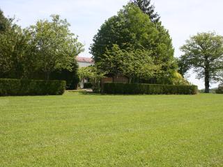 Grand gîte 15 personnes piscine,tennis,terrasse, Vezelay