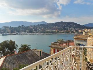 Zuni 3d floor, period house with sea view, Rapallo