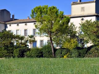 Gîte (MB) avec piscine, près de Carcassonne