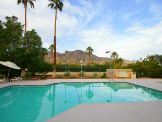 Location! 2Br/2Ba Mountain & Valley VIEW! PetsOK!, Palm Desert