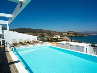 Villa Sunrise 2 Private pool, ideal location
