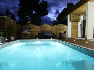 Villa de standing avec piscine à 100m de la plage, La Saline les Bains