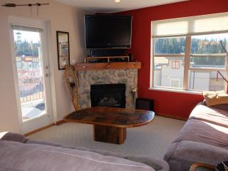 Corner Unit 2 Bed/2 Bath Upgraded Condo, Silver Star