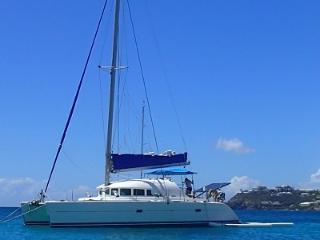 Catamaran Beagle Knot - Sailing Yacht Vacations, Charlotte Amalie