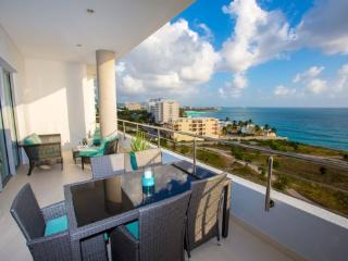 Cupecoy Beach Luxury Condo - Blue Mall, Cupecoy Bay