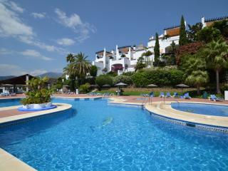 Golden Mile Club Sierra Tropical Family Paradise, Marbella