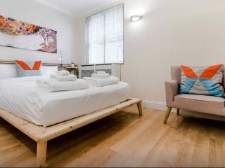 Notting Hill Apartment, London