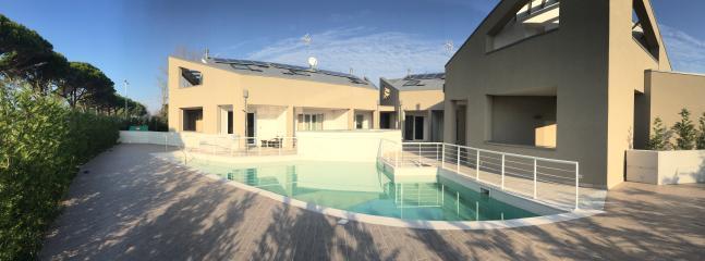 Vista interna Residence con piscina