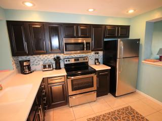 Close to pool! Updated unit.  Great Fall Rates from $100