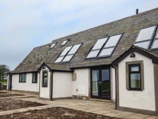 BLUEBELL COTTAGE luxurious, woodburner, WiFi , open plan in Baycliff Ref 916664