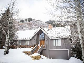 Designer Aspen Retreat, Minutes from the Slopes