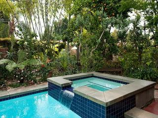 Eden Garden Retreat, Near Melrose Avenue – Private Pool, Spa & On-Site Gym