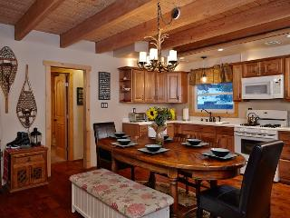 'Antler's Lodge' ALovely home near Lake Gregory & Lake Arrowhead Antler Lodge