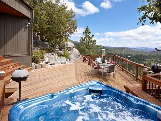 Luxurious 'The View' Home; Spa & Ping Pong Table, Idyllwild