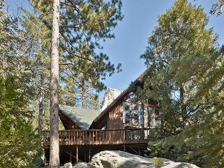 Perfect 'Lily Rock Lodge' With Amazing Views spa and pool table