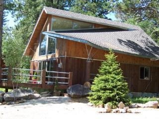 2 Bedroom cabin with loft - sleeps 6-8, Lead