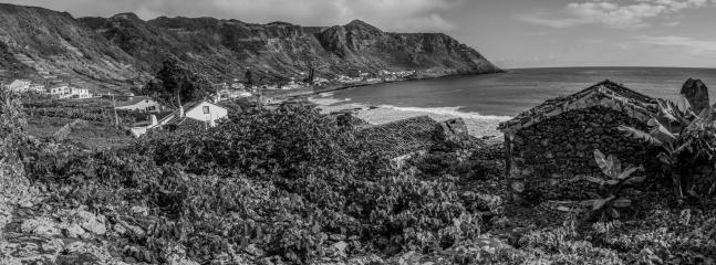 A Vigia da Areia é o local ideal para quem procura o contacto com o Mar nos dias de Verão.