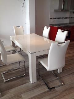 Des meubles design clair et pratiques