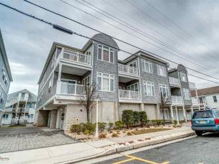 Gorgeous 3.5Bedrm,2car,2bath,1.5bks2beach,sleeps12, Wildwood
