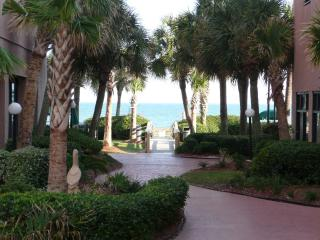 Palms Resort - Beautiful romantic Oceanfront