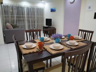 Cosy 3 Bedrooms Apt in Puchong Jaya