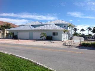 4/3 With Pool and 50 Feet of Dock - Built 2014, Key Colony Beach