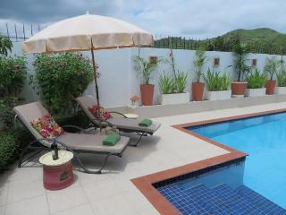 Stunning Mountain Beach Villa, Pak Nam Pran