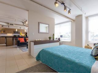Modern Cozy Loft, Phoenix