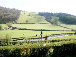 Crud Yr Awel (WAA368), Trefeglwys