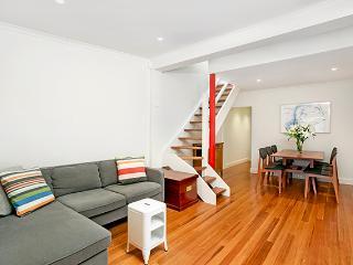 BUCK1 - Newly Renovated Terrace, Sydney