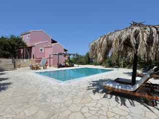 Luxury Poolside Villa, Gaios