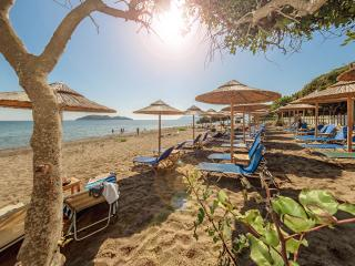 Beachfront Maisonette in Dafni Beach, Vasilikos