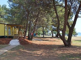 Camping Pineta, Peroj
