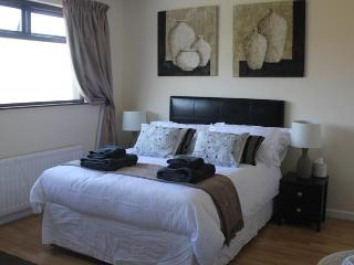Cairnview Bed and Breakfast   Jacaranda Room, Ballygally