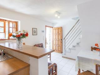 Honeymoon Maisonette with Shared Pool, Gáïos