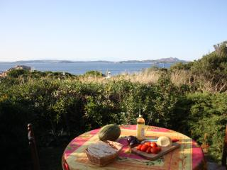 4 people, 300mt from the beach. Baia Sardinia