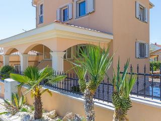 Holiday house***  in Pula