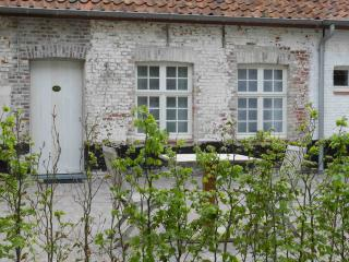 The luxury B&B room in Damme opposite the golf!, Sijsele