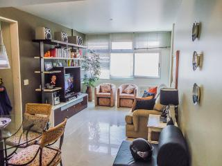 GREAT apartment near Leblon beach!, Rio de Janeiro
