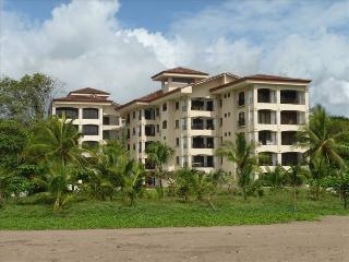 Luxury Oceanfront Condo 3BR/2BA Large Balcony, Jaco