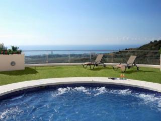 1828 - 2 bed apartment, Samara Resort, Marbella