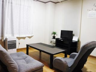 Sapporo warm local Room with wi-fi 4pax