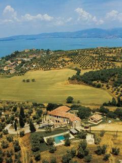 Stunning countryside setting next to Lake Trasimeno