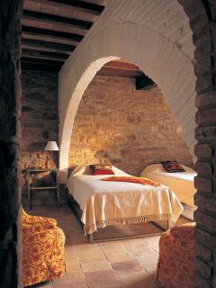Twin bedroom with original features