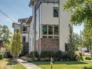 NEW LUXURY HOME Between Nashville's Music Row & Downtown - PERFECT Location!