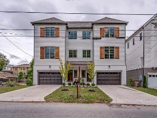 Brand New side-by-side Nashville Vacation Homes in a Prime Location!