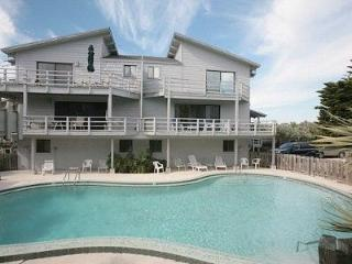 Luxury Private Beach Townhome/Sleeps 10!, New Smyrna Beach