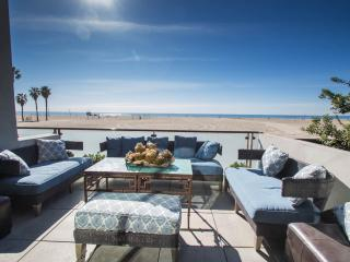 Luxury Venice Beachfront Home, Los Angeles