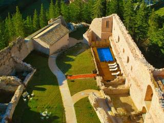 Luxury Castle 'La Rocca' in Umbria, Capodacqua